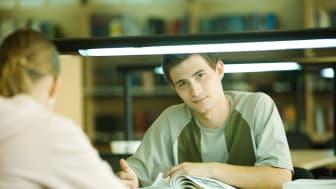 De unge skal videre i uddannelse og arbejde. Foto Colourbox