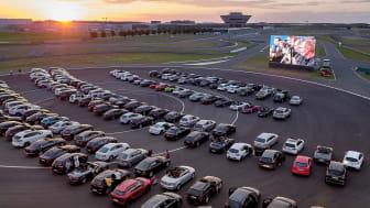 Porsche RoadMovies vor dem Porsche Experience Center Leipzig - Foto: Porsche AG