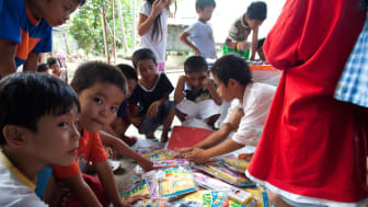 Säkra barnvänliga platser för barn i tyfondrabbade Filippinerna