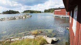 Askölaboratoriet i Trosa skärgård hör till Stockholms universitets Östersjöcentrum och är ett centrum för marin forskning. Här bedriver forskare från Sverige och hela världen olika vetenskapliga studier om havet. Foto: Anna-Karin Landin