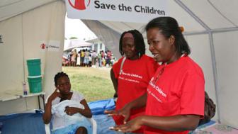 Tre månader efter jordbävningen i Haiti - Rädda Barnen nått över 550 000