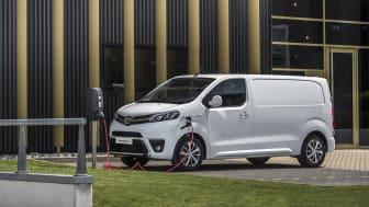 Nye Toyota Proace Electric er klar for bestilling. Den vil gi næringsdrivende et miljøvennlig alternativ uten at det går på bekostning av varerom eller utstyrsnivå. Foto: Toyota Norge AS
