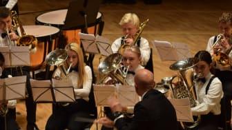 TITTELFORSVARER: Smørås Skolemusikk fra Bergen er tittelforsvarer under NM skolekorps brass. Korpset deltok under EM brass i Sveits tidligere i år, der de ble nr tre.