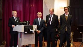 Tale av OIe Bjørn Fausa under avdukingen av nye kongeportretter
