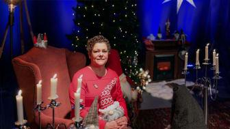 Ingrid Marmvik i studion på Forum i Oskarshamn där Adventskalendern spelas in.