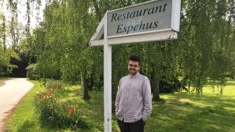 Rasmus Lund Jonasson glæder sig til at byde velkommen på Restaurant Espehus