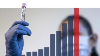 Smittspridningen ökar inom omsorgen och fortsatt avrådan från besök gäller