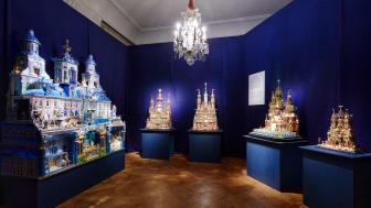 Krakows julkrubbor symboliserar en unik hantverkstradition,  sagolik stilblandning och skaparglädje.