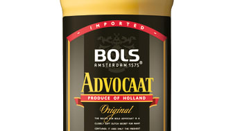 Yellow Easter cocktails with Bols Advocaat