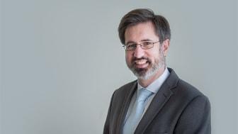 Dr Ian Elliott