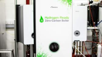 Durch den Einsatz von grünem Wasserstoff ermöglicht das Gasbrennwertgerät eine CO2-neutrale Wärmeversorgung. (Foto: Bosch Thermotechnik)