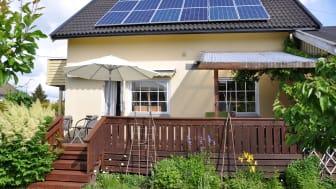 UTSETTER FRIST: Støtten til solceller og andre energitiltak blir likevel ikke redusert 1.juli.