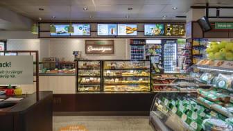 Uppdaterade 7-Eleven i korsningen Sveavägen/Odengatan i Stockholm.