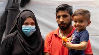 Jaber Alsoudy bor med sin fru och sin son i ett läger på Samos. De har flytt från Syrien och kom till ön i november 2019..