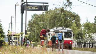 Inlandsbanans tåg ankommer Östersund Västra. En ökning av barnfamiljer på Inlandsbanan har setts i sommar.