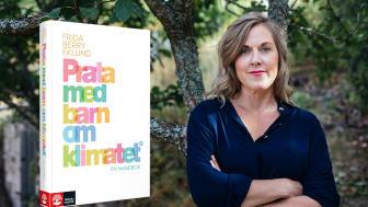 Författaren Frida Berry Eklund är klimatkommunikatör och författare till handboken Prata med barn om klimatet.