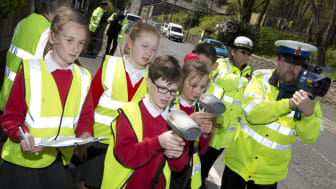 Primary school pupils give drivers a lesson in safety
