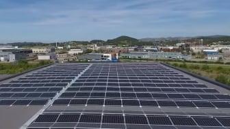 Det største solcelleanlegget på Forus er nå ferdig