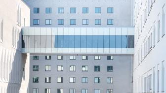 Skyway som sammanlänkar operationsavdelning och vårdavdelning