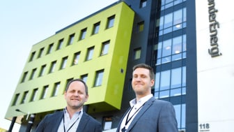 SKYPARTNER: Ståle Risem-Johansen (til venstre), IT-sjef i TrønderEnergi Nett og Alf Håvard Iversen, avdelingsleder for infrastruktur på Trondheim-kontoret, ser frem til digitaliseringsreisen til TrønderEnergi Nett med Sopra Steria som partner