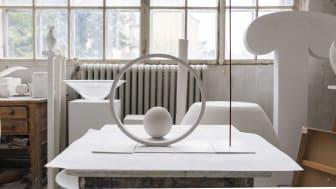 I höst invigs skulpturgruppen Tro, Hopp, Kärlek av Eva Lange i Helsingfors i Finland. Nu kan gipsmodellen till skulpturgruppen beskådas på Konstakademin.