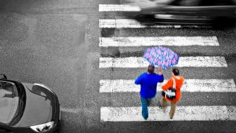 Hur kan vi bättre  få in ett jämställdhets- och rättviseperspektiv för att på så vis lyfta trafiksäkerheten i Sverige ytterligare ett snäpp? Det har Trivector studerat i ett forskningsprojekt finansierat av Trafikverkets Skyltfonden.