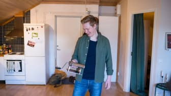 Calle Bratthall kommer från Bromma. Nu bor han i Umeå och kommer att medverka i en ny realityserie om studentlivet vid Umeå universitet. Foto: Simon Jönsson Öhman