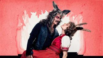 Øystein Røger og Mariann Hole spiller rollene som Ulven og Geita i familiemusikalen «Ulven» som har premiere på Nationaltheatret 20. oktober 2018. Foto: Øyvind Eide