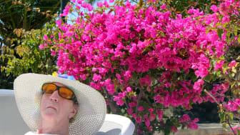 83-årige Grethe Skelmose nyder solen på Malta