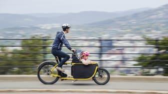 Sykle og gå hvis du kan, bare reis kollektivt om du må. Foto: Ruter As / Redink, Hampus Lundgren