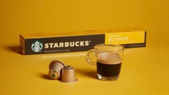 Starbucks flytter markedsandele på hylder i danske supermarkeder og butikker.