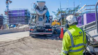 Med den nya appen Min Betong får kunderna push-notiser när betongbilen lämnar fabriken för leverans.   När betongen sedan levereras hanteras följesedlarna helt digitalt och kan sedan hämtas för nedladdning i kundportalen.