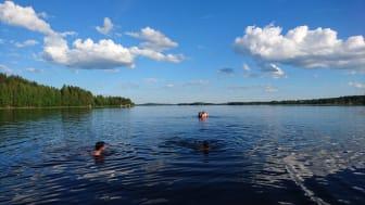Hur ser semesterplanerna ut för befolkningen i Västerbotten och angränsande län? Det är en fråga som destinationsorganisationen Gold of Lapland hoppas få svar på via ny undersökning. (Foto: Cecilia Wallinder)