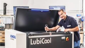 Montering av högtrycksenhet LubiCool® i KNOLLs fabrik i södra Tyskland.