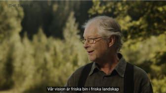 Björn Lagerman - biodlare och innovatör i Lindesberg. Foto ur filmen The Swarm.