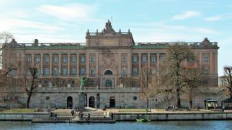 Regeringen Löfvén avsätts i historisk misstroendeomröstning