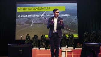 Hållbarhetsforum 2019. Victor Galaz, docent i statsvetenskap, talar under ett temasamtal om Makt, pengar och ansvar. Foto: ens Olof Lasthein