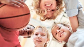 Uponor satsar på att lyfta medvetenheten som positiv arbetsgivare för nya generationer. (AdobeStock)