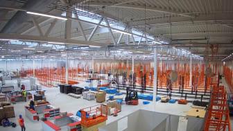 Byggeriet af den 14.000 kvadratmeter store bygning, der skal huse det nye BAUHAUS byggevarehus i Kolding er afsluttet. Nu arbejder medarbejderne på højtryk med at gøre det indvendige af butikken klar til åbning af Danmarks mest moderne byggevarehus.