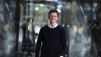 Alle Telenor-kunder som fortsatt er koblet til kobbernettet, enten det er offentlige virksomheter, bedrifter eller folk flest, skal få tilgang til ny og raskere teknologi, sier Petter-Børre Furberg, leder for Telenor Norge. Foto: Martin Fjellanger