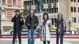 Teater Västernorrlands Platsen erbjuder konstupplevelser i det offentliga rummet efter en lång nedstängning av teatrar och scener i pandemins fotspår.