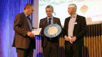 250 participants at the 6th annual 'Beredskapskonference' in Tromsø applaud Ole Ditlev Nielsen, Chief Commercial & Safety Officer for ESVAGT, the proud recipient of the 'Beredskapsprisen' on behalf of the shipping company.