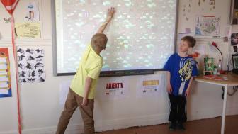 Lärarna på Ankarsviks skola var inte nöjda med de interaktiva projektorerna – nu har alla klassrum en SMART Board