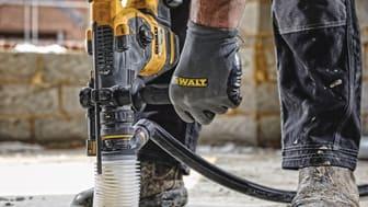 Det unike sortimentet Perform & Protect fra DEWALT vokser nå med nye produkter som overholder ekstra strenge krav til vibrasjon, støv og kontroll.