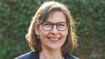 Anette Sandström är uppvuxen i skånska Bara. I dag bor hon – på lagom tågavstånd från Malmö – i Eslöv