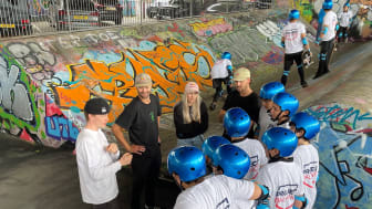 Katie Ormerod with participants of Project Balance at Royal Oak Skatepark