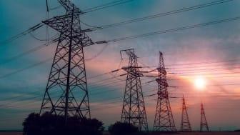 Lägre elnätspriser men kraftigt ökade skillnader mellan kommunerna