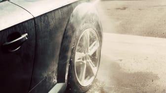 Allt fler tvättar bilen miljövänligt