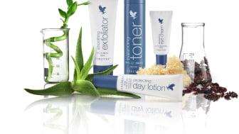 Som en del av vår avancerade hudvård ger vi er balancing toner, protecting day lotion, smoothing exfoliator och awakening eye cream.