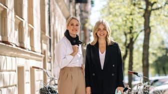 Hövding samarbetar med Säker stil och modeduon Ebba Kleberg von Sydow och Emilia de Poret. I deras podcast och på deras andra plattformar inspirerar och informerar de om hur man kan cykla stilsäkert.